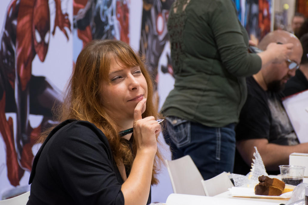 Sarah Burrini; auf der Suche nach der nächsten Skizzenidee?