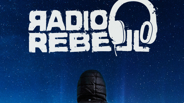 Radiorebell-E01-Sterne-1400x1400