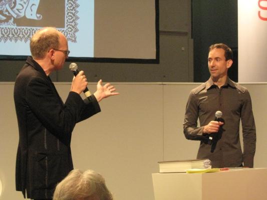 Andreas Platthaus (links) im Gespräch mit Craig Thompson (rechts)