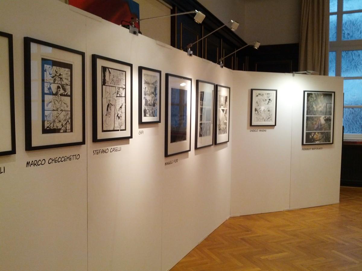 Viele Bilder, kein Text: Die Ausstellung zum Gastland Italien