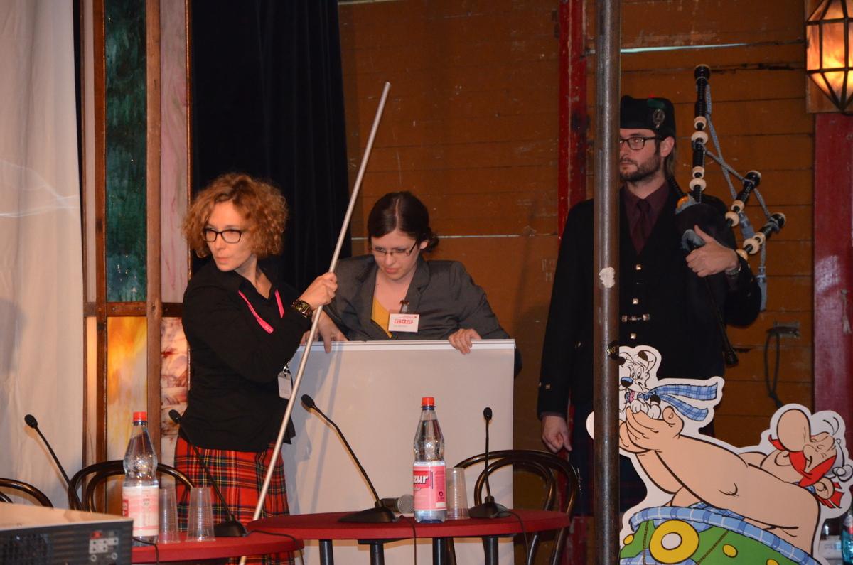 Mit Pauken und Trompeten, oder viel mehr mit Dudelsack und Schottenrock wurde der neue Asterix präsentiert