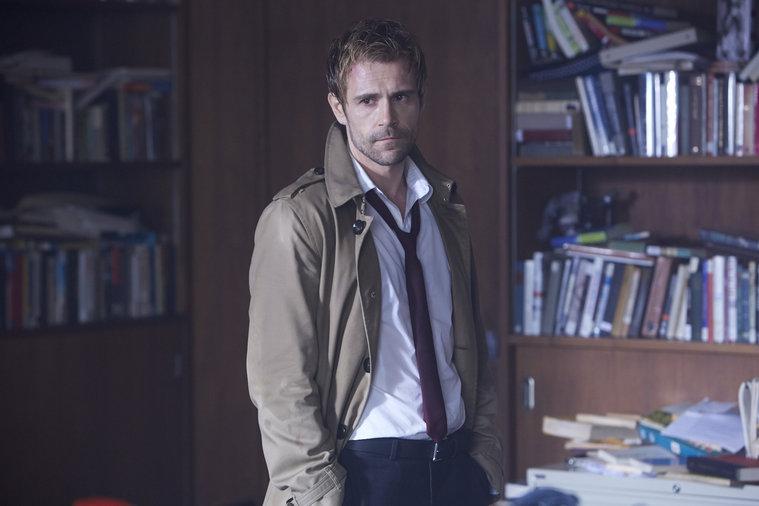 Szene aus der ersten Folge von Constantine