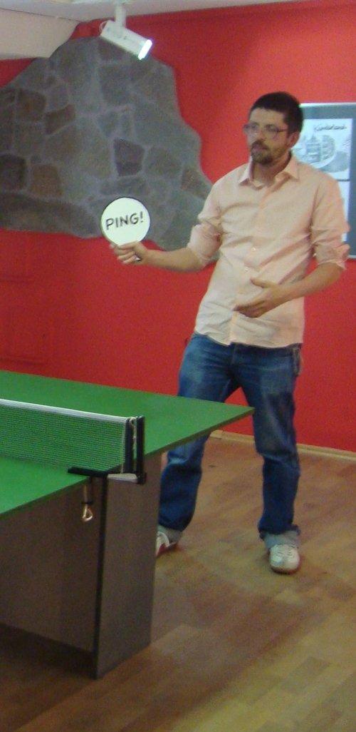 Der Interviewte beim Tischtennis